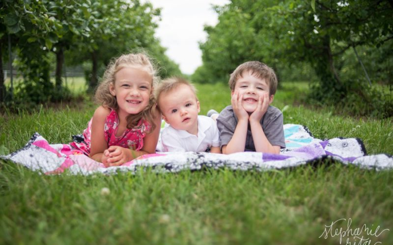 Hildreth Family at Alyson's Orchard // New Hampshire Family Photos